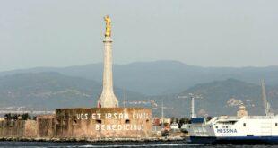 I mille volti della città incastonati nei luoghi della cultura: indagine per immagini e parole nel cuore di Messina