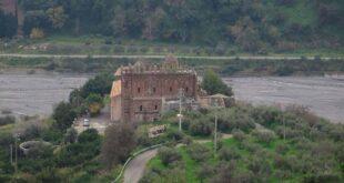 Santi Pietro e Paolo: un monastero basiliano nell'antica valle fluviale d'Agrò