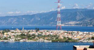 """Messina: un panorama """"Stretto"""""""