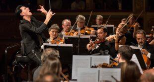 Ezio Bosso, come la musica ci insegna la cosa più importante che esista: ascoltare