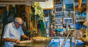 Intervista a Giacomo Costa: l'antica arte dei maestri d'ascia