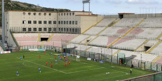 SHOW DEL FOOTBALL CLUB MESSINA: 5-1 CONTRO IL SANT'AGATA